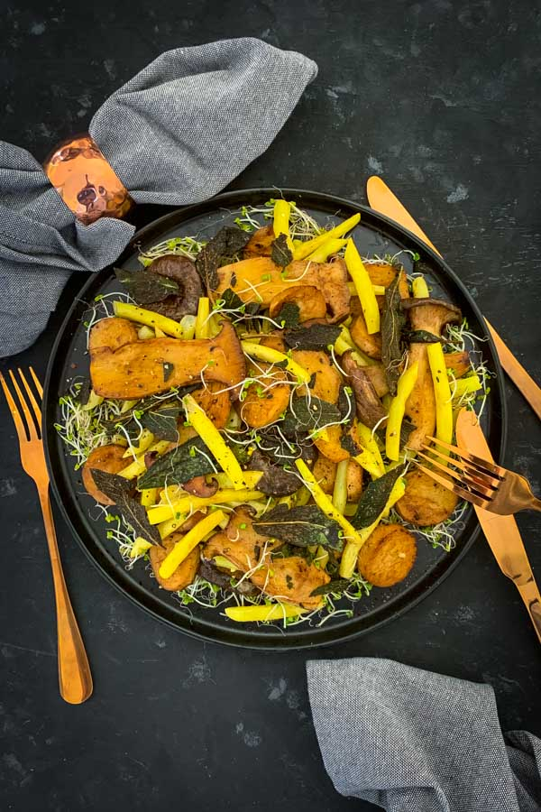 King Oyster Mushroom Salad with Yellow Beans