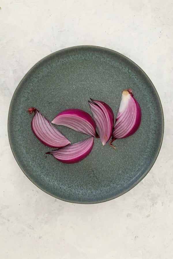 Red onion in wedges