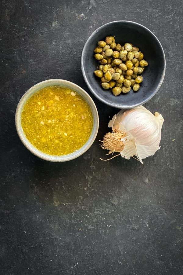 caper vinaigrette with capers and garlic