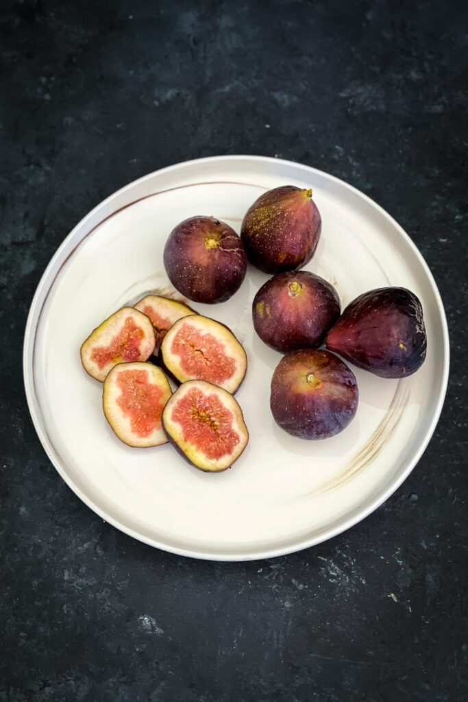 Sliced and whole figs
