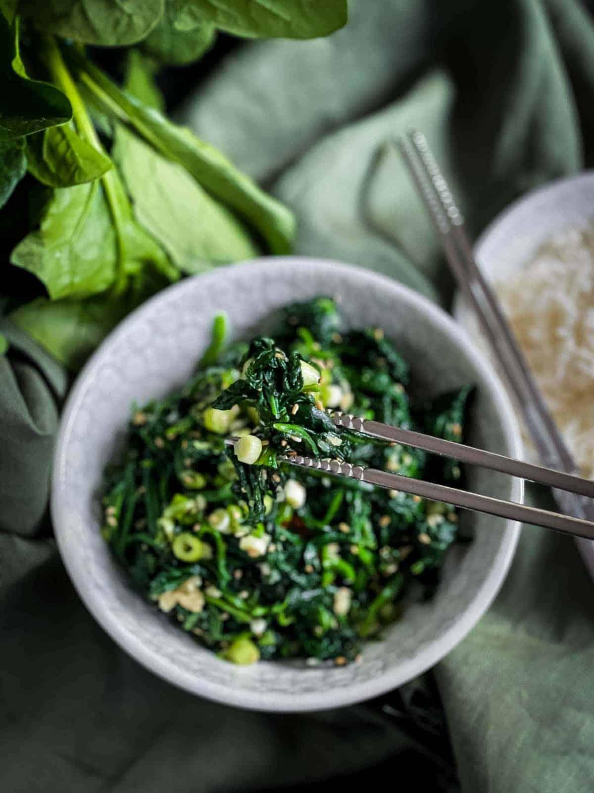 Korean Spinach Side Dish - Sigeumchi Namul